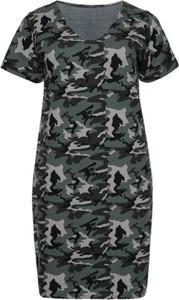 Sukienka modneduzerozmiary.pl z bawełny midi w militarnym stylu