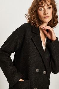 Czarny płaszcz Answear