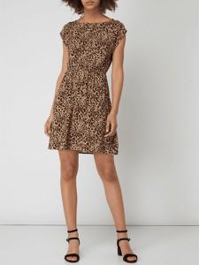 93335c1d36 Sukienka Apricot w stylu casual z okrągłym dekoltem