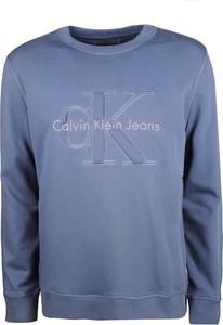 "Niebieska bluza Calvin Klein Bluza ""hasto"""