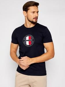 Czarny t-shirt Tommy Hilfiger w młodzieżowym stylu z bawełny