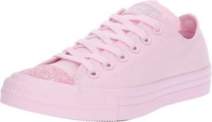 Różowe trampki Converse sznurowane niskie w młodzieżowym stylu