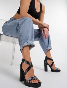 Czarne sandały Renee na wysokim obcasie na obcasie