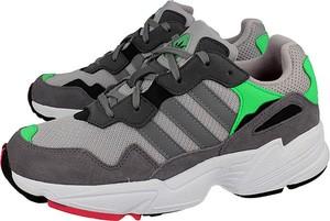 Buty sportowe Adidas Originals sznurowane w sportowym stylu