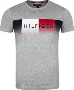 T-shirt Tommy Hilfiger w młodzieżowym stylu z bawełny