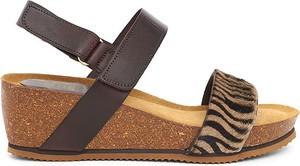 Sandały Mia Loé na średnim obcasie ze skóry na koturnie