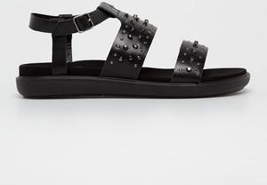 Sandały Gino Rossi w rockowym stylu ze skóry z płaską podeszwą