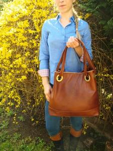 Brązowa torebka TrendyTorebki ze skóry duża w wakacyjnym stylu