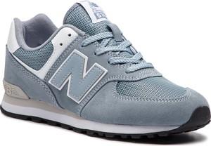 Niebieskie buty sportowe New Balance z płaską podeszwą sznurowane
