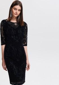 Czarna sukienka Reserved
