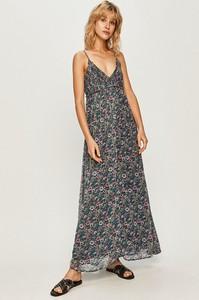 Sukienka Pepe Jeans z dekoltem w kształcie litery v na ramiączkach maxi