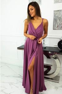 Sukienka fashion-freak.pl na ramiączkach z dekoltem w kształcie litery v
