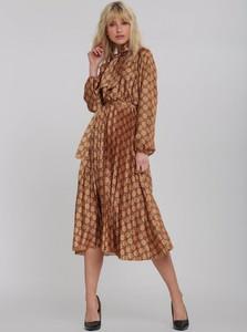 Sukienka Renee z żabotem rozkloszowana z długim rękawem
