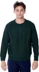 Zielony sweter Lee z okrągłym dekoltem