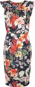 Sukienka Nife z okrągłym dekoltem ołówkowa mini