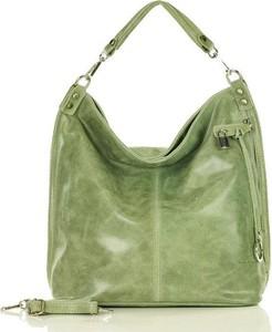 Zielona torebka Merg w wakacyjnym stylu