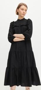 Czarna sukienka Reserved z bawełny z kołnierzykiem midi