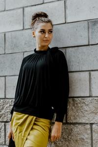 Czarna bluzka Byinsomnia