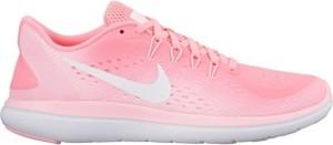 Różowe buty sportowe Nike