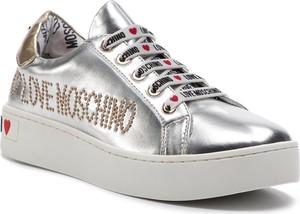 Sneakersy Love Moschino w młodzieżowym stylu