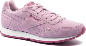 Różowe buty sportowe Reebok z płaską podeszwą sznurowane ze skóry