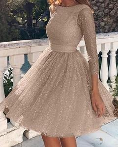 Sukienka Kendallme w stylu casual rozkloszowana z okrągłym dekoltem