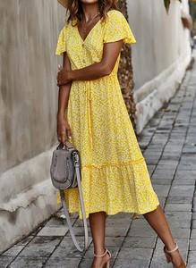 Żółta sukienka Cikelly midi z dekoltem w kształcie litery v w stylu casual