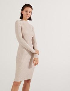 Sukienka Reserved z długim rękawem dopasowana z okrągłym dekoltem