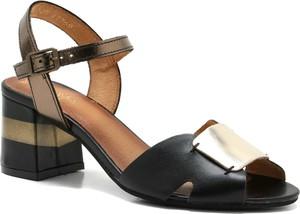 Czarne sandały Maciejka na obcasie z klamrami