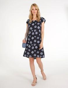 Sukienka Unisono w stylu casual z krótkim rękawem z okrągłym dekoltem