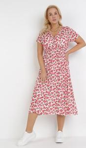 Różowa sukienka born2be midi w stylu casual z krótkim rękawem