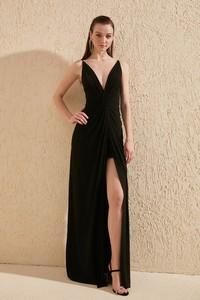 Czarna sukienka Trendyol z dekoltem w kształcie litery v maxi