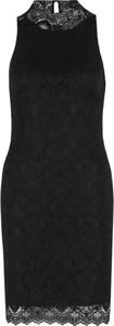Sukienka Guess bez rękawów mini dopasowana