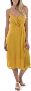 Żółta sukienka See u Soon midi z dekoltem w kształcie litery v