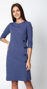 Niebieska sukienka QUIOSQUE mini z długim rękawem
