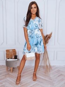 Niebieska sukienka Dstreet z krótkim rękawem trapezowa