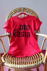 Czerwona bluzka Kurdemol z dresówki z krótkim rękawem