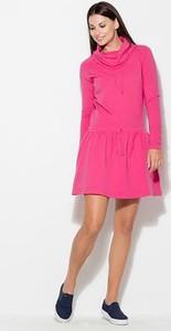 Różowa sukienka Katrus w stylu casual midi z golfem