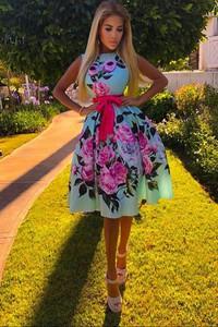 Sukienka Ivet.pl z okrągłym dekoltem midi