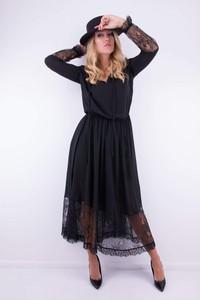 Czarna sukienka WIBS z długim rękawem rozkloszowana