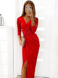 Sukienka Pakuten dopasowana z długim rękawem