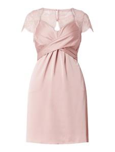 Sukienka Vila z krótkim rękawem z satyny