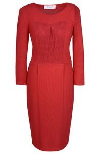 Czerwona sukienka Fokus midi z okrągłym dekoltem w stylu klasycznym