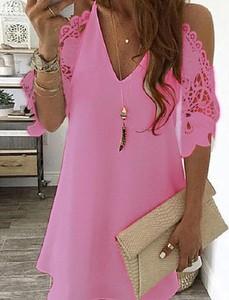 Różowa sukienka Kendallme mini z dekoltem w kształcie litery v z długim rękawem