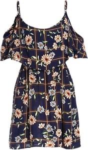 Sukienka Multu z dekoltem w kształcie litery v na ramiączkach