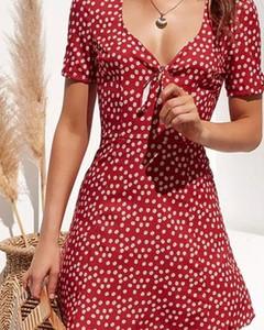 Sukienka Kendallme w stylu casual kopertowa z krótkim rękawem