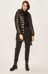 Czarna kurtka Answear długa