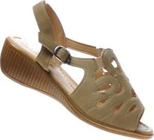 Zielone sandały Pantofelek24 na średnim obcasie