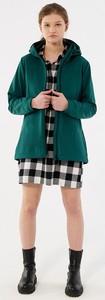 Zielona kurtka Outhorn w sportowym stylu krótka