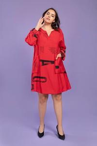 Czerwona sukienka Pomme Rouge z okrągłym dekoltem z długim rękawem mini